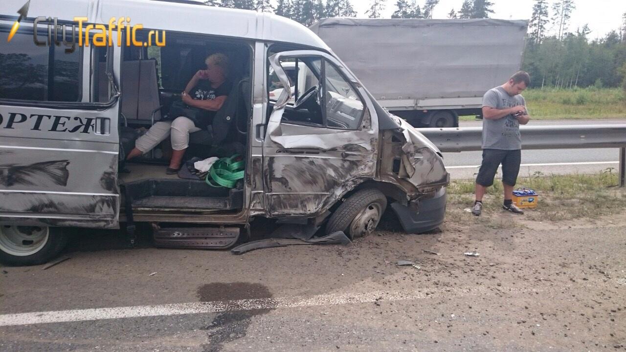 Шокирующее ДТП: на трассе М5 катафалк столкнулся сгрузовиком