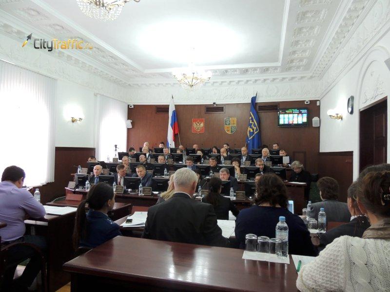 Тольяттинские депутаты согласились смэром Андреевым иприняли решение брать кредит на спасение ТТУ
