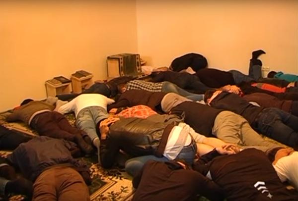 Появилось видео спецоперации по задержанию салафитов вСамаре
