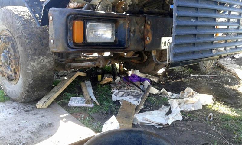 Под Тольятти на механика упал с домкрата суперМАЗ | CityTraffic