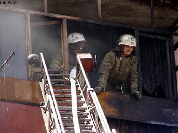 В Самаре сутра потушили два балкона