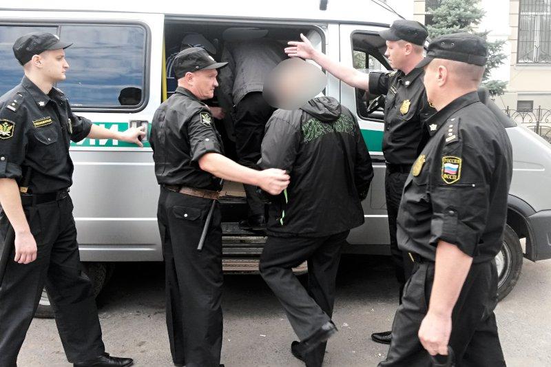 Из Самарской области выдворили 7таджиков-нелегалов