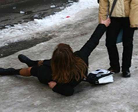 В Тольятти один собутыльник ударил другого ножом, а третий оказал ему первую помощь | CityTraffic