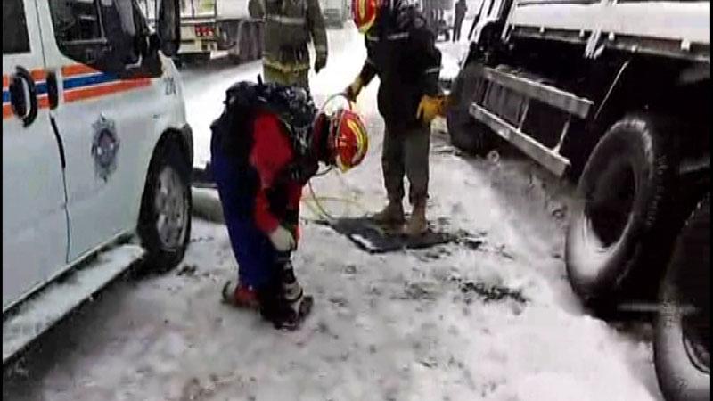 В Самаре КАМАЗ врезался вприпаркованную ГАЗель, погиб водитель микроавтобуса