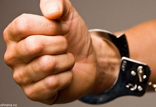 На вокзале Самары задержали мужчину, который начал раздеваться на глазах полицейских