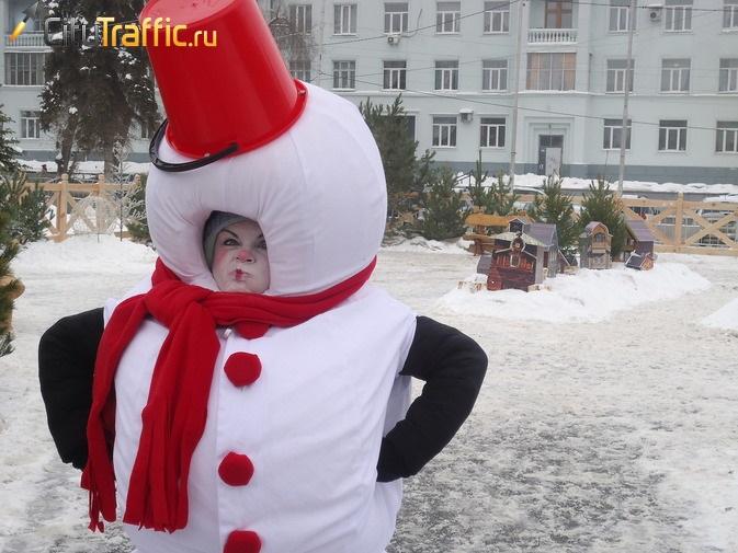 Самарский Дед Мороз начал принимать гостей всвоем домике на площади Куйбышева