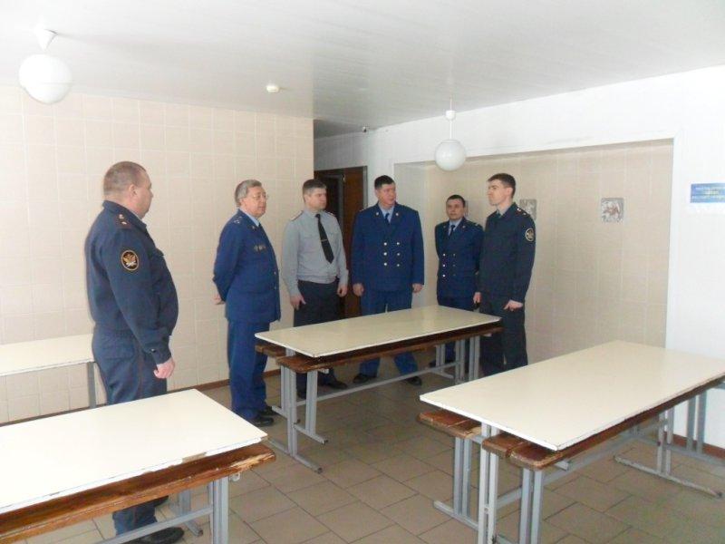 Зампрокурора Самарской области обнаружил нарушения втольяттинской колонии-поселении №1