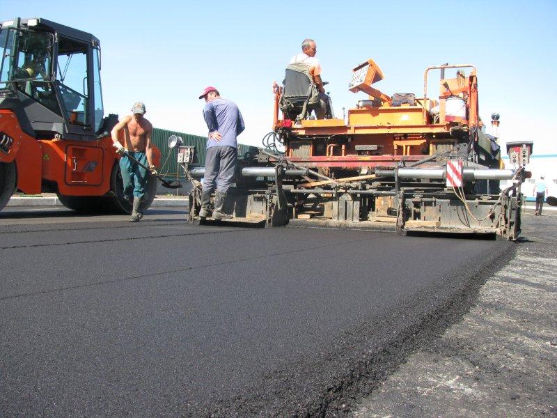 Во время ремонта Красноглинского шоссе подрядчик уложил асфальт более низкого качества