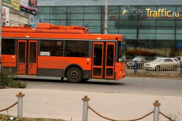 В Сызрани приставы заставили хозяйку магазина снести незаконно построенное крыльцо | CityTraffic