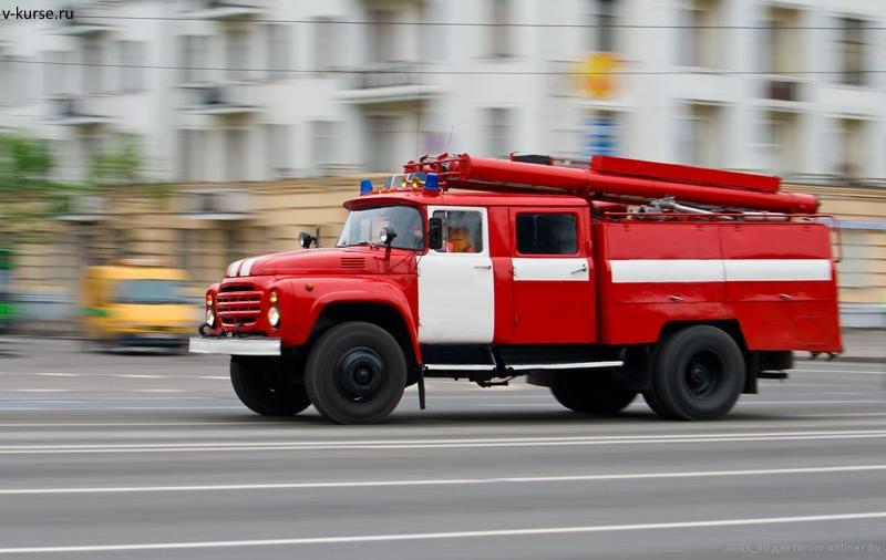 В Тольятти на улице Громовой на ходу загорелся автомобиль