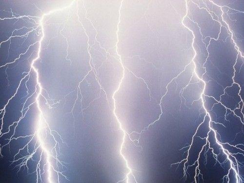 В Самарской области ураган повредил 10 крыш домов, газопровод и опоры ЛЭП | CityTraffic