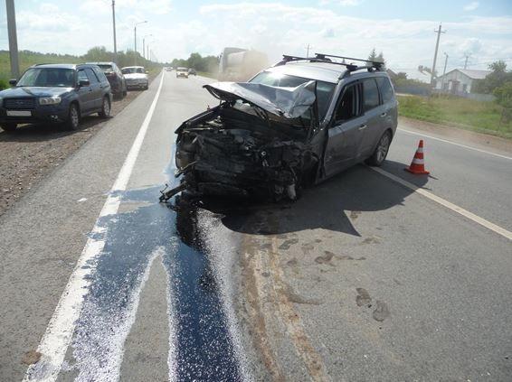 Под Самарой автомобилистка на внедорожнике устроила аварию с грузовиком и легковушкой | CityTraffic