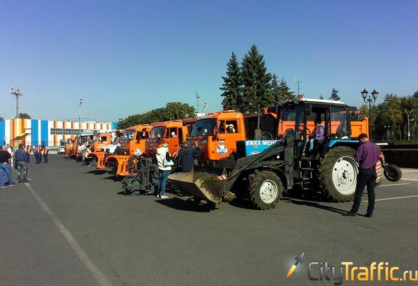 В Тольятти прошел парад коммунальной техники | CityTraffic