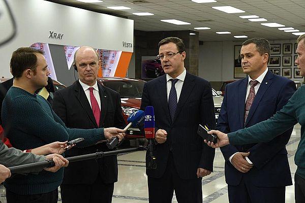Дмитрий Азаров пообещал поддержать местных поставщиков комплектующих
