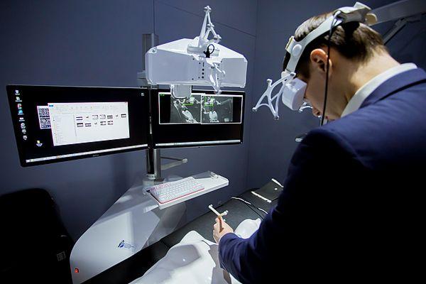 Медики из Германии заинтересовались самарской навигационной хирургической системой