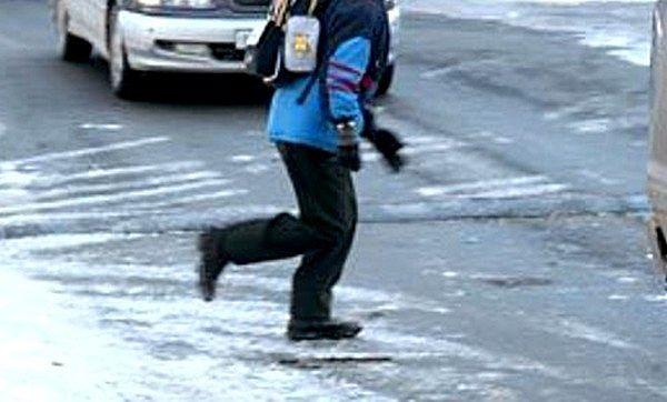 В Тольятти 9‑летний мальчик получил рваную рану губы, попав под машину