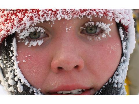 Спасатели предупреждают жителей Самарской области осильных морозах исоветуют дышать на улице медленнее