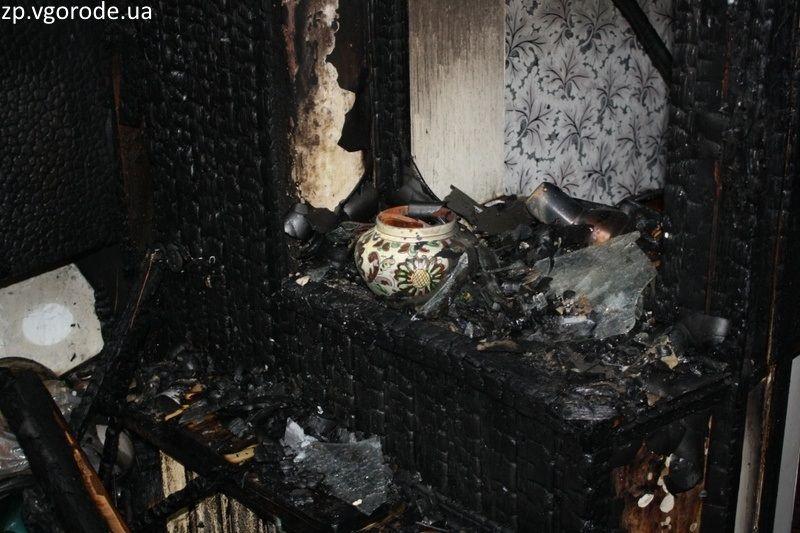 В Самаре 26 человек тушили домашние вещи