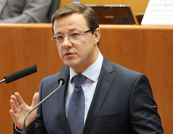 Азаров предложил главам муниципальных образований региона самим выбрать дату его визита на их территорию
