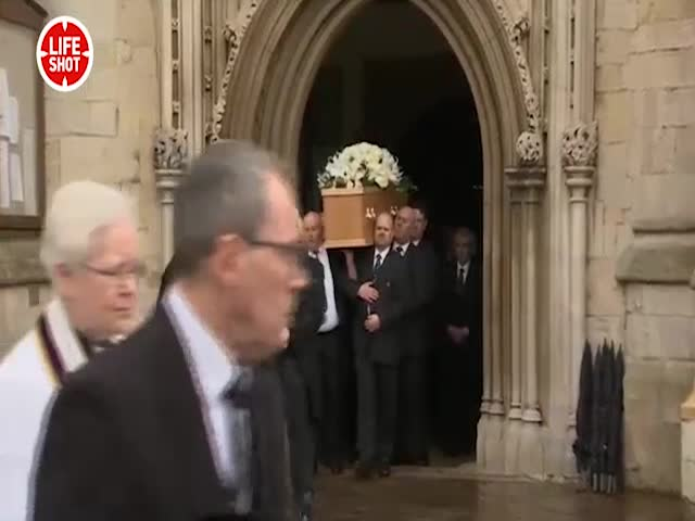 Стивена Хокинга похоронят рядом сНьютоном иДарвином