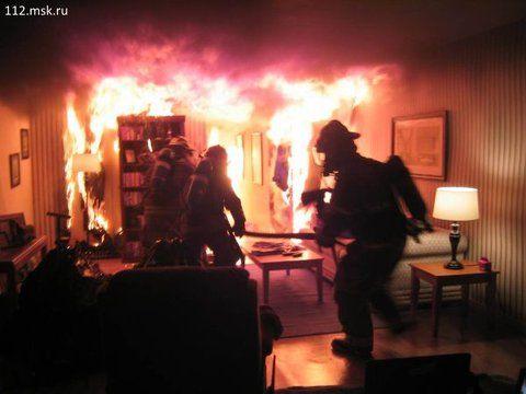 В Тольятти ночью 13 пожарных тушили домашние вещи