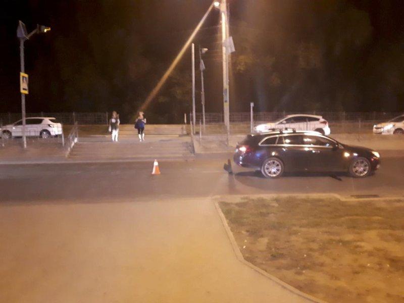 """В Самаре """"Опель"""" сбил 19-летнюю девушку на пешеходном переходе"""