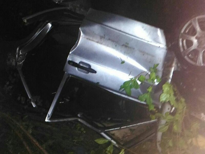 """В Самарской области """"четырнадцатая"""" врезалась вавтобус, отлетела вбетонную плиту иперевернулась"""