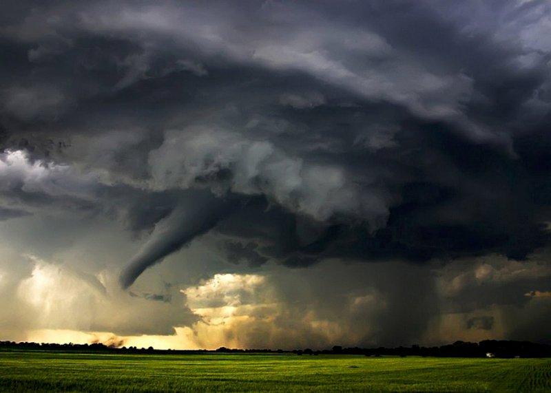 Ученые: число ураганов будет расти из-за потепления Атлантического океана