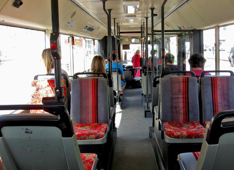 Жители Самары требуют вернуть большие автобусы