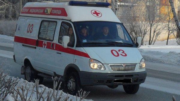 """Под Тольятти """"Веста"""" сномерами Ульяновской области вылетела вкювет иврезалась вземляной вал"""
