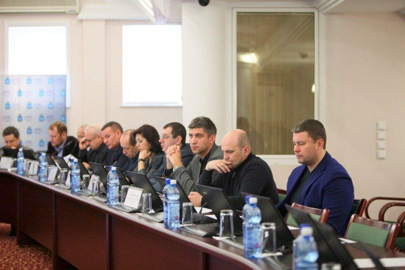 Депутаты Думы Самары поинтересовались угородских чиновников, почему во дворах так плохо убирают снег