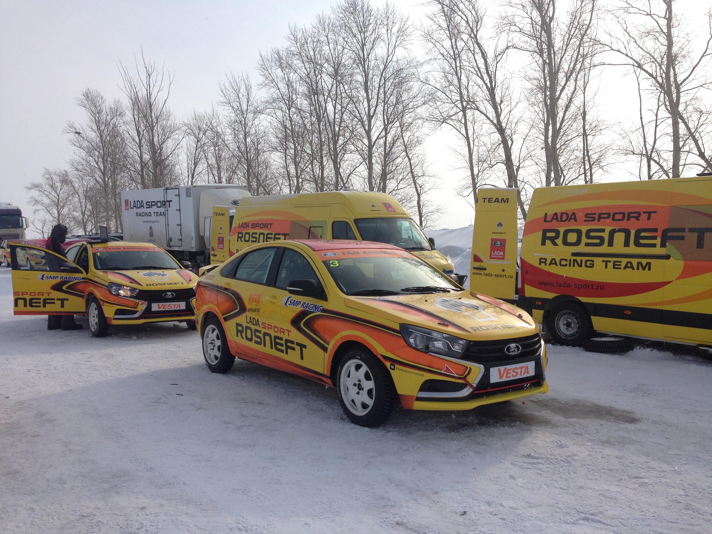 В Тольятти показали, как Lada Vesta едет по льду