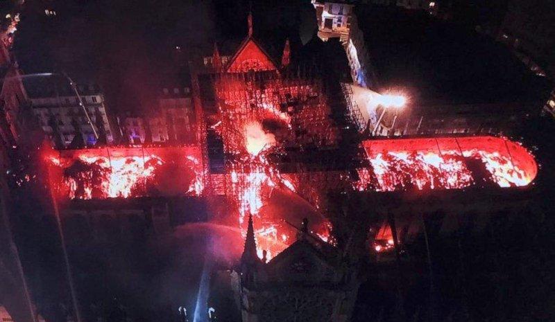 Пожар в Соборе Парижской Богоматери тушили 9 часов: видео | CityTraffic
