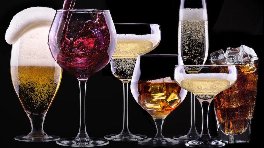 Роспотребнадзор призвал к бдительности при выборе алкоголя и напомнил, ниже какого порога не опускается цена на водку | CityTraffic