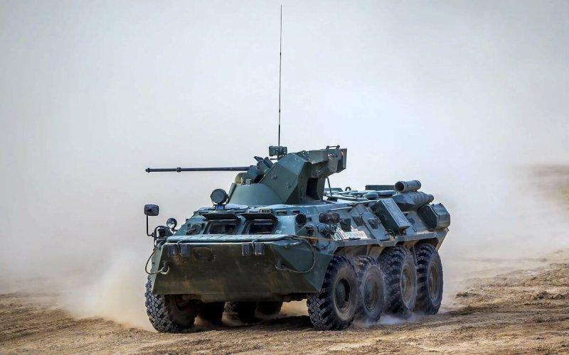 В Самарской области на Рощинском полигоне показали современную военную технику