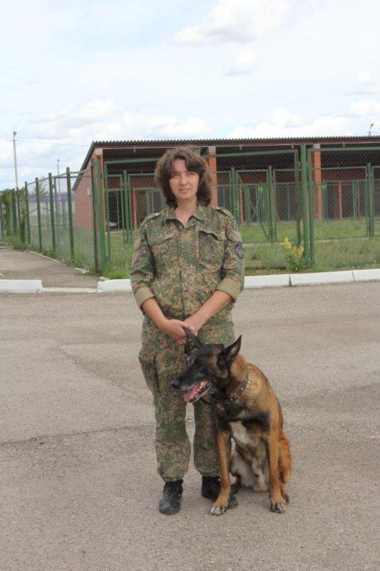 Самарская таможенница Нина Курдова иее пес Балто стали лучшими на соревнованиях кинологов Поволжья