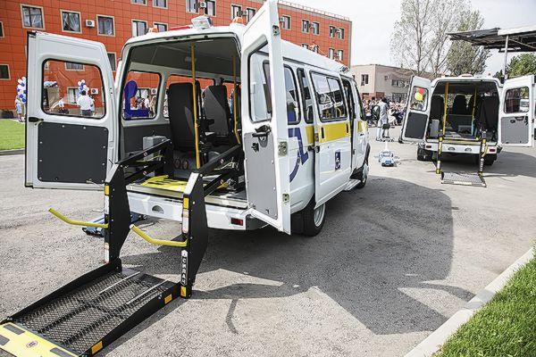 На баланс Самарской области поступили 5 спецмашин для перевозки инвалидов до больниц | CityTraffic