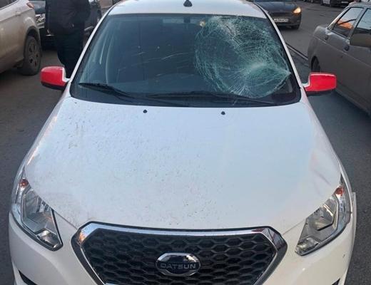 В Самаре таксист сбил пешехода-нарушителя | CityTraffic