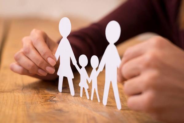 Могут ли ВИЧ-инфицированные граждане усыновить ребенка | CityTraffic