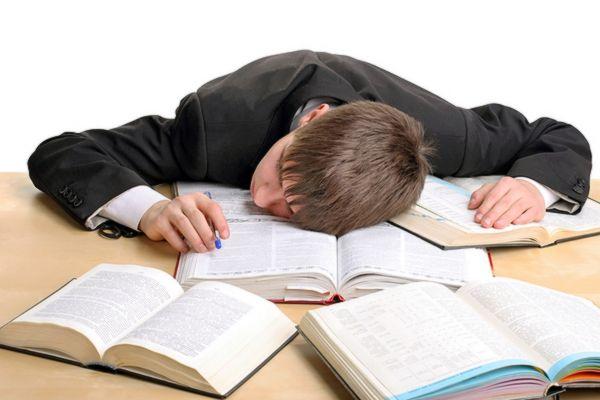 Россияне требуют отменить 6-дневную школьную неделю | CityTraffic