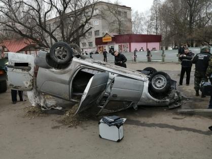 Два человека сварились заживо в кипятке из-за провала асфальта на одной из улиц Пензы   CityTraffic