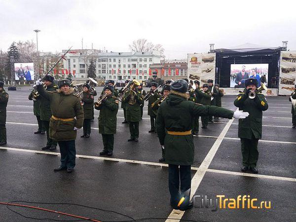 На площадь Куйбышева во время Парада Памяти в Самаре вышли 125 парадных расчетов: видео | CityTraffic