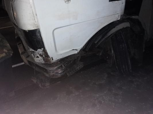 На трассе М-5 пьяный житель Самарской области без прав, но с собакой врезался в грузовик с номерами Тюмени: видео   CityTraffic
