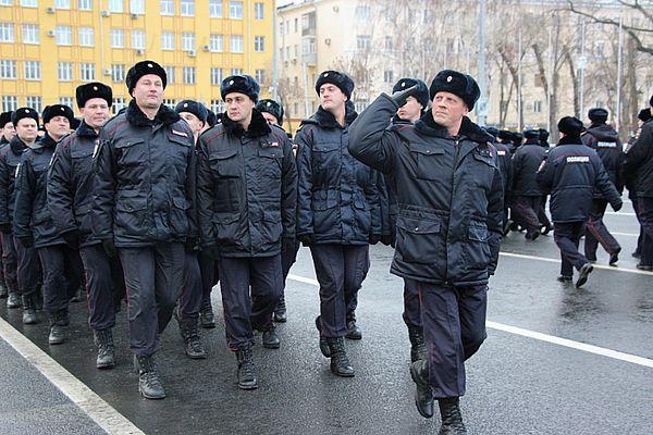 Полиция Самары прошла маршем по площади Куйбышева в честь своего 40-летия: видео | CityTraffic