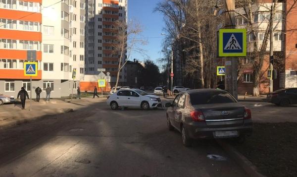 Такси с номерами Ульяновска устроило аварию в Самаре | CityTraffic