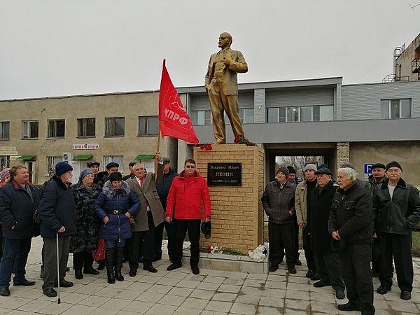 В Самарской области устанавливают новые памятники Ленину   CityTraffic