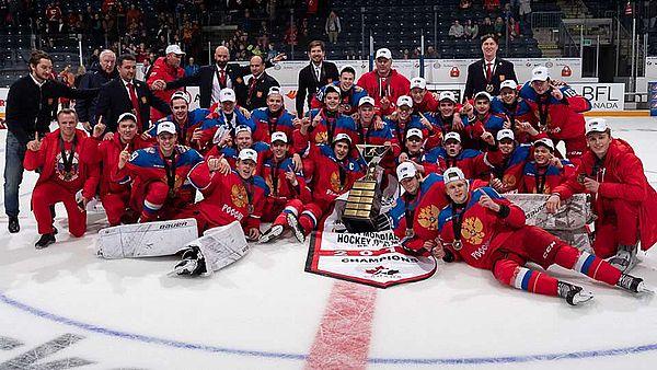 Хоккеист из Тольятти в составе сборной РФ выиграл мировой кубок вызова U17: видео | CityTraffic
