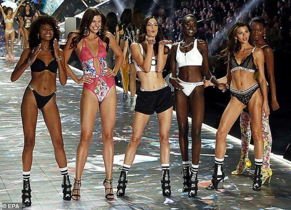 Шоу Victoria's Secret отменили из-за падения к нему интереса: видео | CityTraffic