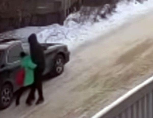 Подросток спас девочку, которую похитил педофил: видео | CityTraffic