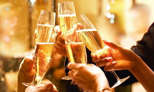 В Роспотребнадзоре рассказали, как выбрать качественную алкогольную продукцию к праздникам | CityTraffic